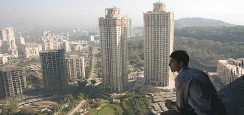 Slumdog Millionaire: Jamal Malik (Dev Patel) blickt auf das moderne Indien. Wie ist es wirklich?
